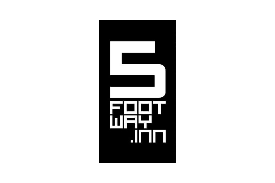 five foot way inn