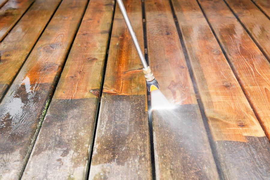 wooden deck pressure cleaning